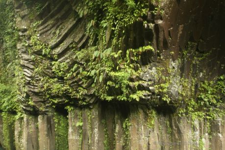 The welded tuff volcanic rocks in the Takachiho gorge, with 2 types of columnar joints: entablature upon colonnade. Japan.