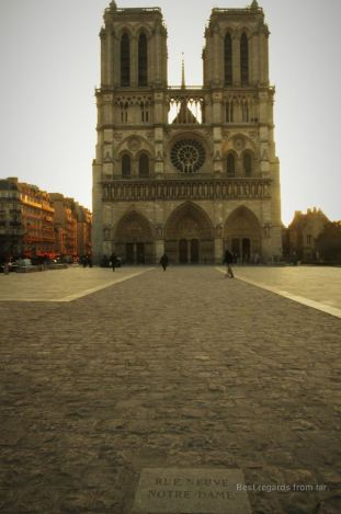 Imagine this medieval street leading to Notre Dame