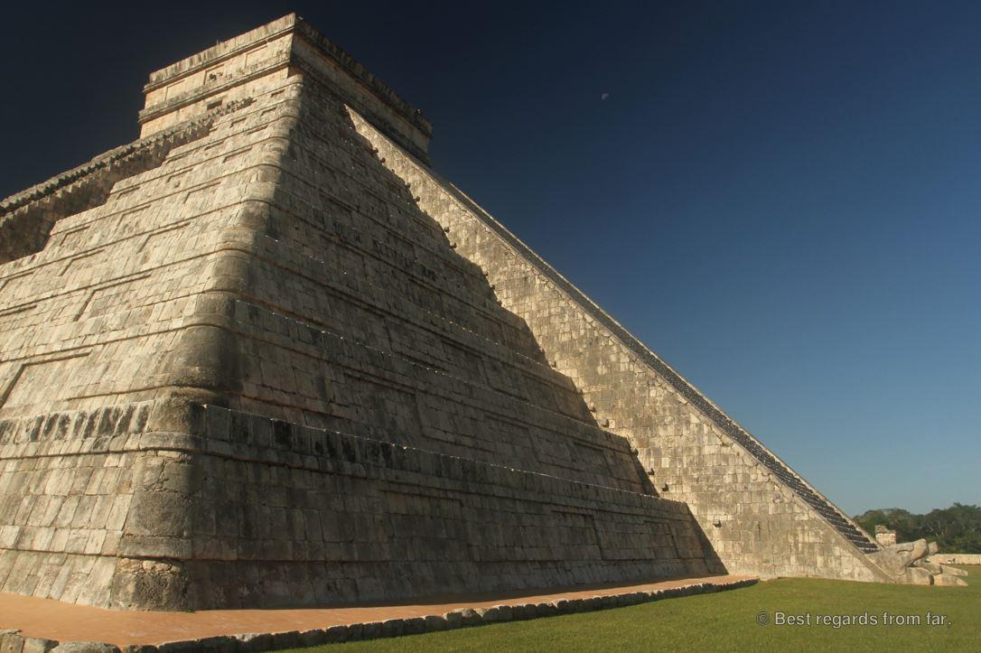 The imposing El Castillo, or Temple of Kukulkan, Chichén Itza