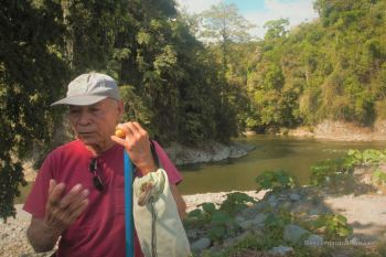 Safety briefing by Hector, the pioneer of white water rafting in Panama