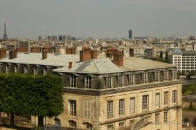 Great view on Paris from the off the beaten path Parc de Saint Cloud