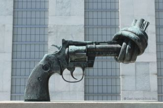 One of the original Non-Violence bronze sculpture by the Swede Carl Fredrik Reuterswärd, United Nations headquarter, New York City.