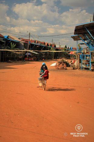 Kampong Phluk floating village in the dry season, Cambodia