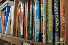 The lounge are of the Manhattan Kayak Company with many resources, including paddling books, New York City