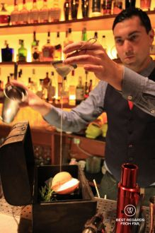 The Mediterranean Treasure being mixed, El Paradiso speakeasy bar, El Born, Barcelona