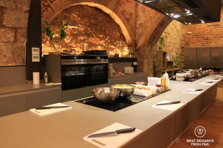 Born to cook cooking school in the heart of El Born, Barcelona