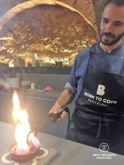 Caramelizing the crema catalana, Born to cook, Barcelona