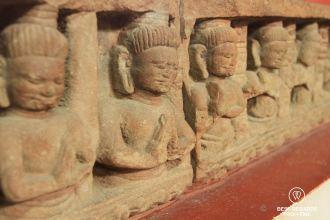 Friese depicting kneeling figures Koh Ker style (10th century), National Museum of Cambodia, Phnom Penh