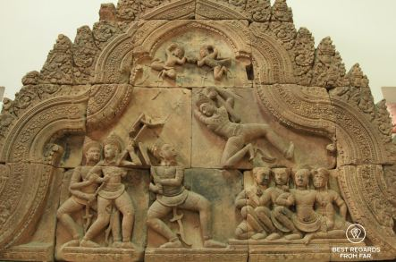 Fronton with combat of Bhima and Duryodhana, Banteay Srei style, late 10th, National Museum of Cambodia, Phnom Penh