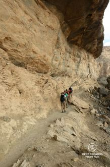 The balcony walk in Jebel Shams, Oman