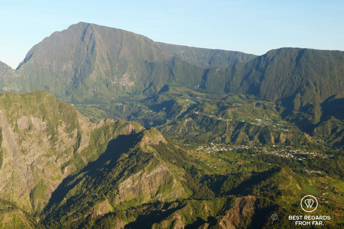 View on the Cique de Salazie on the exclusive multiday hike through the 3 cirques, Réunion Island.