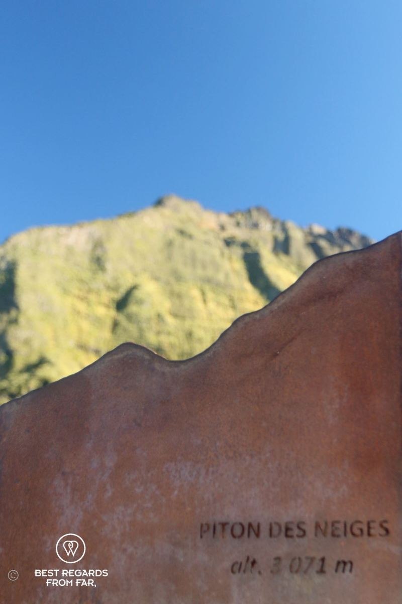 View on Piton des Neiges, the highest peak of Réunion Island, on the exclusive multiday hike through the 3 cirques.