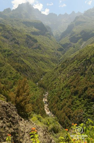 Bras rouge, Cilaos, on the exclusive multiday hike through the 3 cirques, Réunion