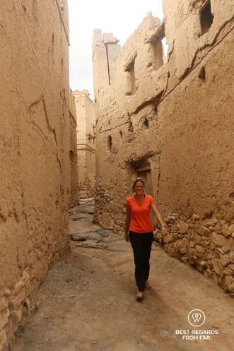 The streets of the old Al Hamra, Oman