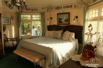 The Jabberwock Inn, Monterey, USA