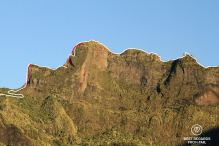 Our ridge line route on the 3 Salazes, with the 50-meter abeils in red, Réunion