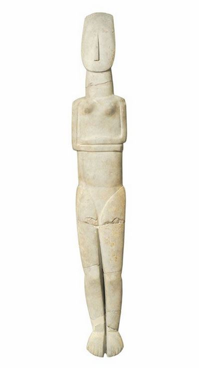 White female statue of the Early Cycladic Period, Archaeological Museum, Athens, Greece