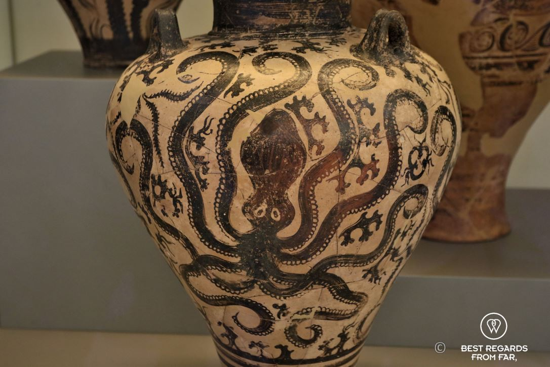 Octopus amphora , Archaeological Museum, Athens, Greece