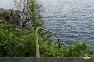 The monorail on Possa's vineyard in Riomaggiore is the steepest of Cinque Terre! It dives almost vertically into the Ligurian Sea.
