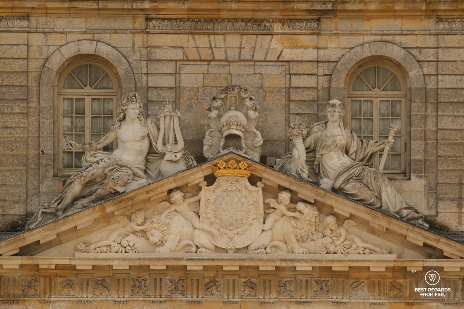 Castle of Vaux-le-Vicomte: details of sculptures