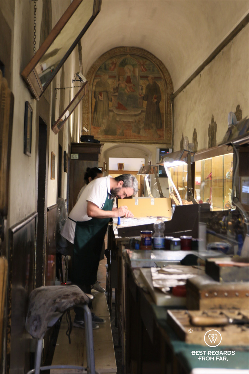 The crafts of Florence: making a leather handbag in the workshop of the leather school.