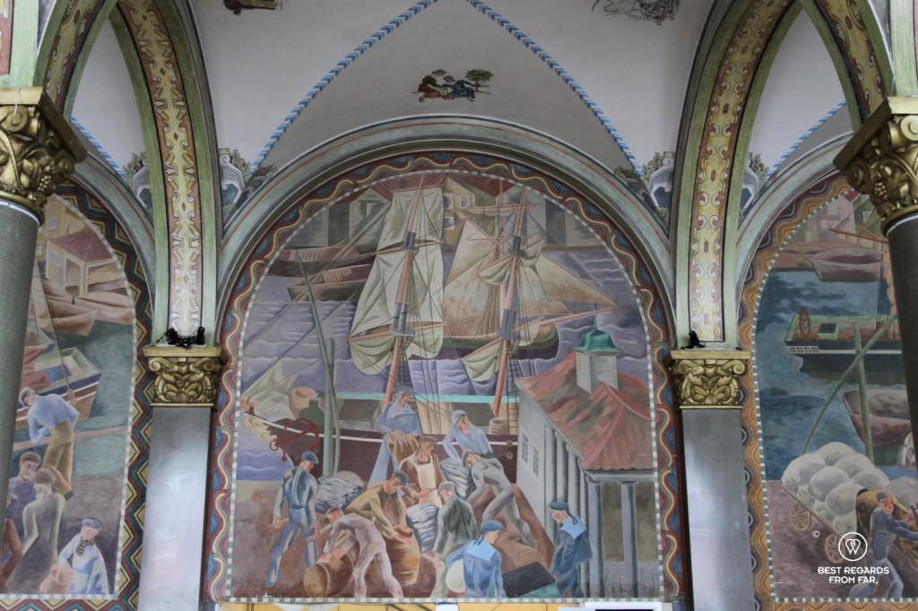 Hotel Bergen Bors: frescoes of BARE restaurant room, Bergen